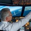 Мужчина ослепил лазером сажавшего самолет пилота в США