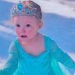 Двухлетняя девочка исполнила танец Эльзы из «Холодного сердца» и стала звездой интернета
