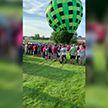 ЧП на высоте: на фестивале в Америке воздушный шар внезапно стал падать и врезался в толпу (ВИДЕО)