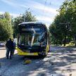 В Минске столкнулись электробус и трактор