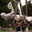 В Копыле началась установка памятника кожевеннику ко Дню белорусской письменности