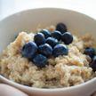На завтрак – овсянка? Диетолог развеяла миф о пользе каш по утрам