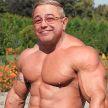 «Пора жениться на молодой»: 74-летний Петросян решил стать качком