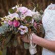 Мать двоих детей вышла замуж за дерево и хочет взять его «фамилию»