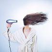 Почему выпадают волосы? Пять распространенных причин