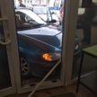 В Ганцевичах девушка на Renault въехала в магазин