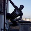 Белорус в костюме Человека-паука спрыгнул с балкона московского ГУМа