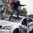 Полиция США жестко реагирует на продолжающие протесты (ВИДЕО)