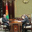 Президент потребовал активнее бороться с посредничеством и развивать импортозамещение