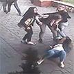 Женская драка в Минске попала на видео. Теперь милиция ищет одну из участниц