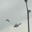 Вертолёт МЧС чуть не столкнулся со своим грузом, после чего сбросил его