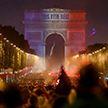 Хулиганы стали разбивать витрины во время празднования победы Франции на ЧМ