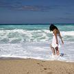 Девушка неудачно прыгнула в воду и лишилась возможности ходить