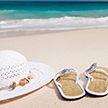 Зять необычным способом разбудил тещу на пляже – видео