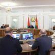 Лукашенко: Не могу запрещать вакцинировать людей, но и напрягать вы их не будете