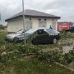 О последствиях грозы в Бобруйске рассказали в МЧС: повреждены 12 автомобилей, повалены деревья