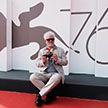Венецианский кинофестиваль: режиссеру Педро Альмодовару вручили почетного «Золотого льва»