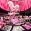 Основатель Victoria's Secret намеревается продать бренд