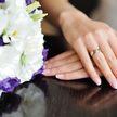 Невеста сделала свадебный маникюр с прахом покойного отца