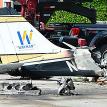 В США самолет запутался в линии электропередач и разбился рядом с оживленной автострадой
