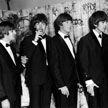 Оригинал первого контракта The Beatles с продюсером продали на аукционе в Лондоне
