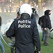 Уличные протесты в первые майские выходные прошли в Европе: дубинки, слезоточивый газ, водомёты