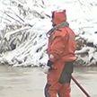 Возобновились поиски пропавших без вести на месте прорыва дамбы в Красноярском крае