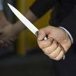 На свадьбе отец жениха ударил ножом в шею отчима невесты: мужчина в реанимации