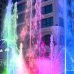 Вода, музыка и лазеры: торжественное открытие фонтана у комплекса «Маяк Минска»