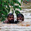 Более 400 человек стали жертвами самого сильного за 100 лет наводнения в Индии