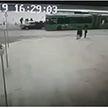 Автомобиль протаранил толпу людей на остановке в Полоцке