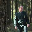 На фотоловушку в Могилёвском лесхозе попался грибник, который выбросил окурок