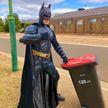 А вы видели, как Бэтмен выбрасывает мусор? Австралийцы устроили веселый флешмоб (ФОТО)