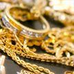 Мужчина украл золотое кольцо с пальца любимой, пока та спала