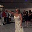 «Мазила»: невесте пришлось дважды кидать букет подружкам (ВИДЕО)
