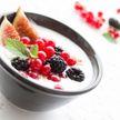 Йогурт, ряженка, кефир: врач рассказал о пользе и вреде кисломолочных продуктов