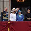 Воздушный парад в честь 100-летия создания королевских ВВС устроили в Великобритании