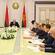 Лукашенко: Единственная работа в поле после 7 ноября – пахать под зябь