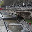 В Париже Сена вышла из берегов