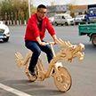 Китаец сделал велосипед из палочек для мороженого