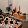 Врачей поддержат не только ростом зарплат, но и жильём. Подробности встречи Александра Лукашенко со студентами и преподавателями медуниверситета