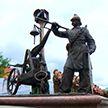 Скульптура пожарного появилась возле старинного здания пожарной части в Минске