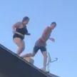 Дважды удаленное с TikTok видео прыжка в бассейн с крыши набрало 10 миллионов просмотров в Twitter за сутки