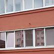 Страшно. Выпал годовалый мальчик из окна квартиры на втором этаже в Ивьевском районе