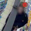 23-летний мужчина решил провернуть в магазине фокус с исчезновением трёх бутылок водки в Витебске (ВИДЕО)