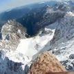 Необычный оператор: орёл снимает тающие альпийские ледники с высоты птичьего полёта