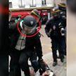 Советника Эммануэля Макрона обвиняют в избиении демонстрантов 1 мая