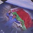 Жена космонавта Олега Новицкого передала свои книги в помощь онкобольным