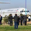 В Иране пассажирский самолет выкатился на оживленное шоссе