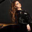 Пианистка-виртуоз удивила пользователей в Сети игрой на двух роялях